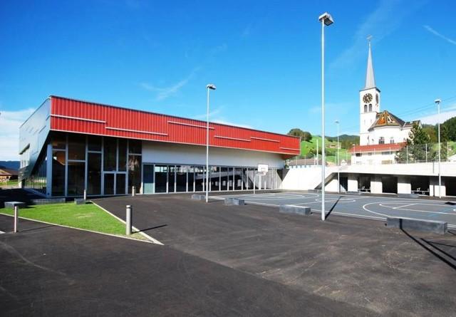 Allgemeine Installation Mehrzweckhalle/Turnhalle; Sicherheitsanlage;  Notbeleuchtungsanlagen; Musikanlage; Storensteuerung; Gewerbe Küche